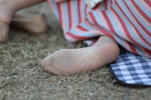 美女帆布鞋棉袜脚_abcjp – 第5页 – 专注丝袜美脚与玉足街拍,高品质高技术摄影题材